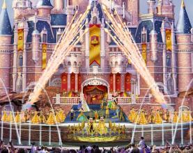 """奇幻童话城堡""""的日间舞台秀"""