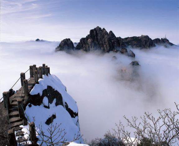 高铁专线:黄山、宏村经典三日游(山上住一晚)